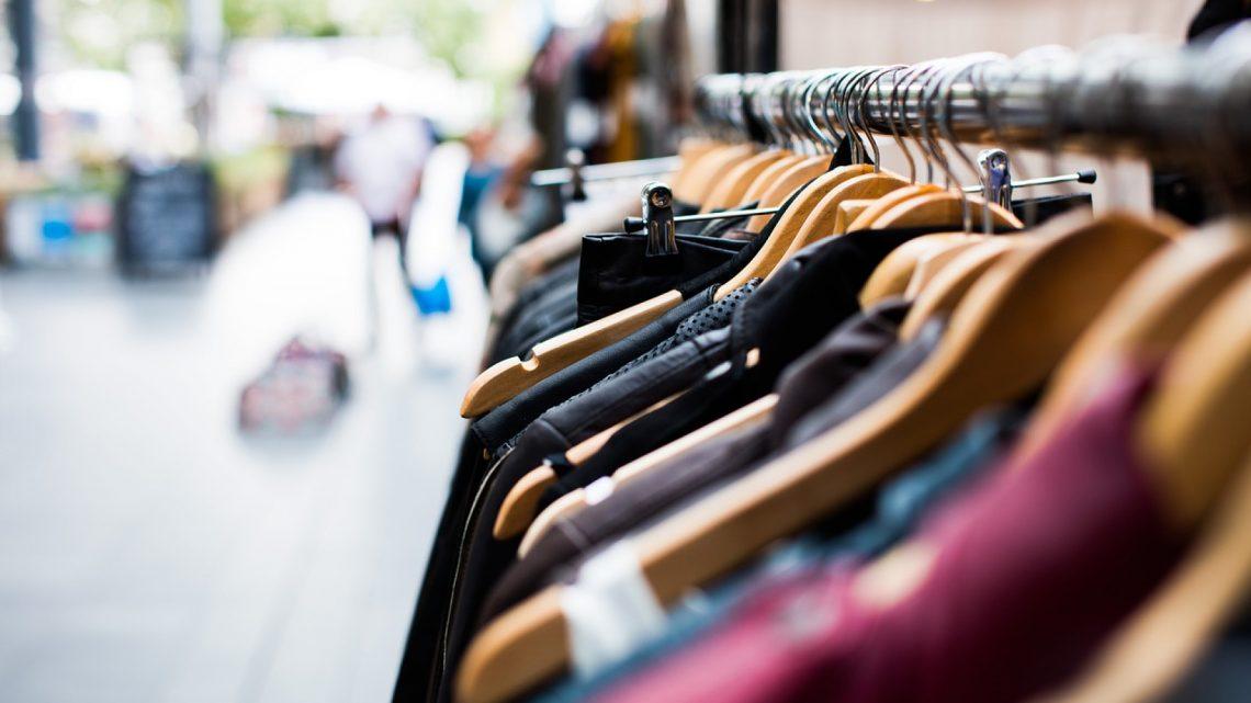 Les soldes sont arrivées aussi sur le net : renouvelez votre dressing en quelques clics !