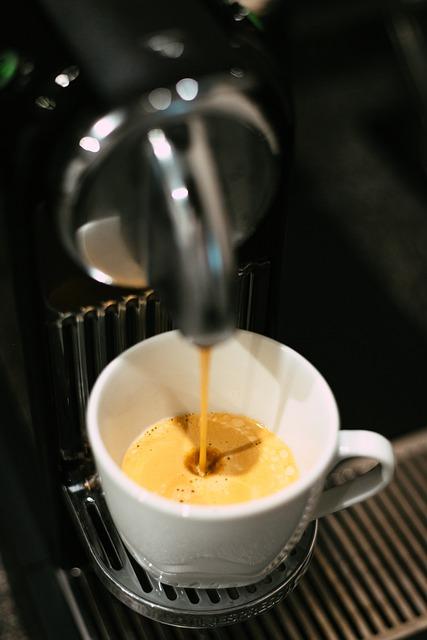 La machine à café Nespresso Essenza Mini