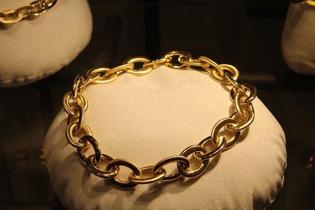 Des colliers magnifiques pour rendre parfait votre tenue